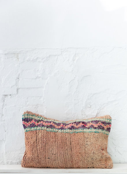 Special Vintage Pillow 642