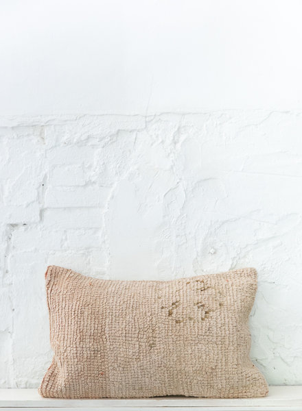 Special Vintage Pillow 643