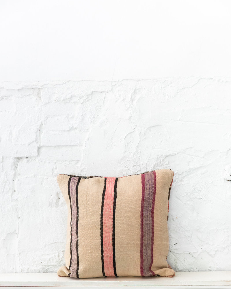 Special Vintage Pillow 659