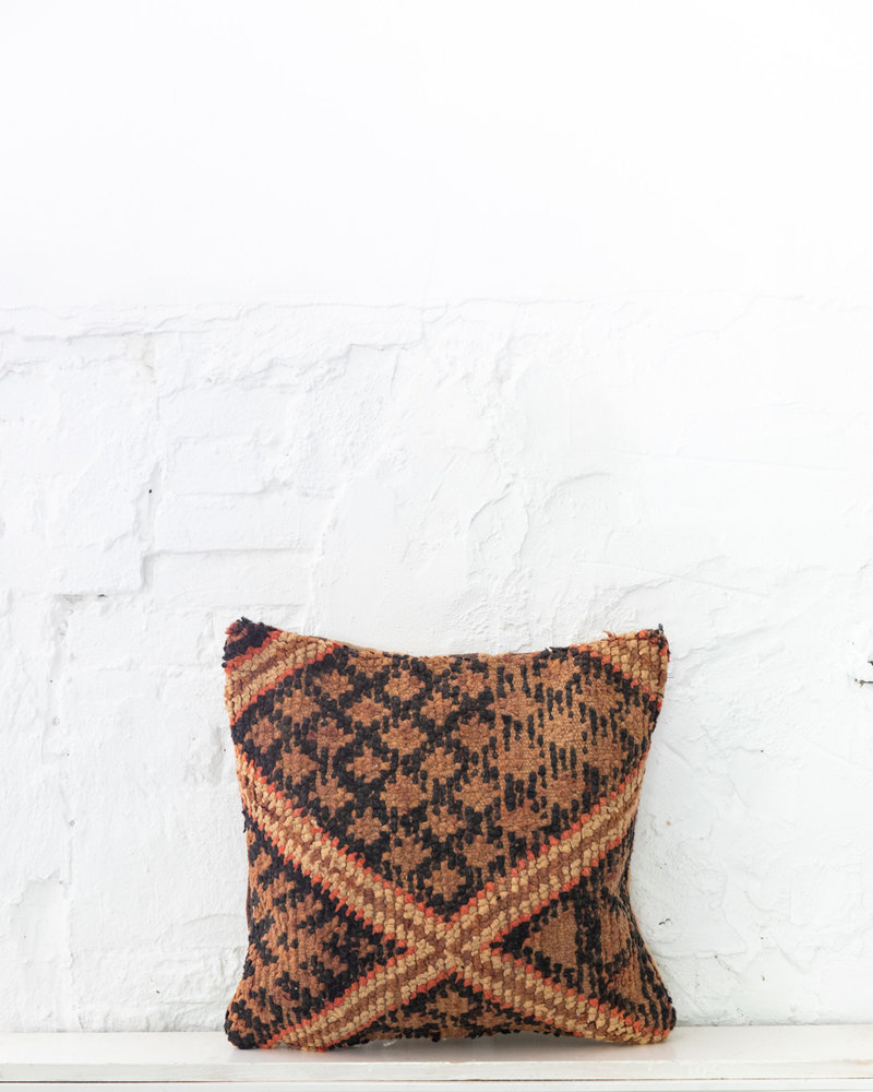 Special Vintage Pillow 661