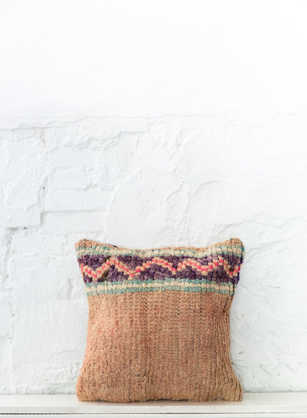 Special Vintage Pillow 668