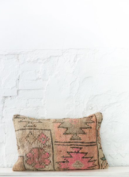 Special Vintage Pillow 675