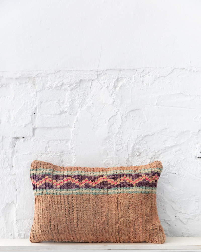 Special Vintage Pillow 680
