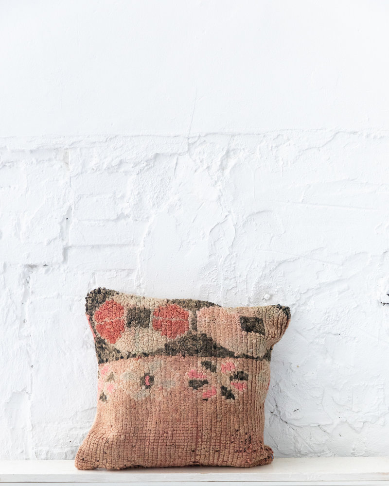 Special Vintage Pillow 687
