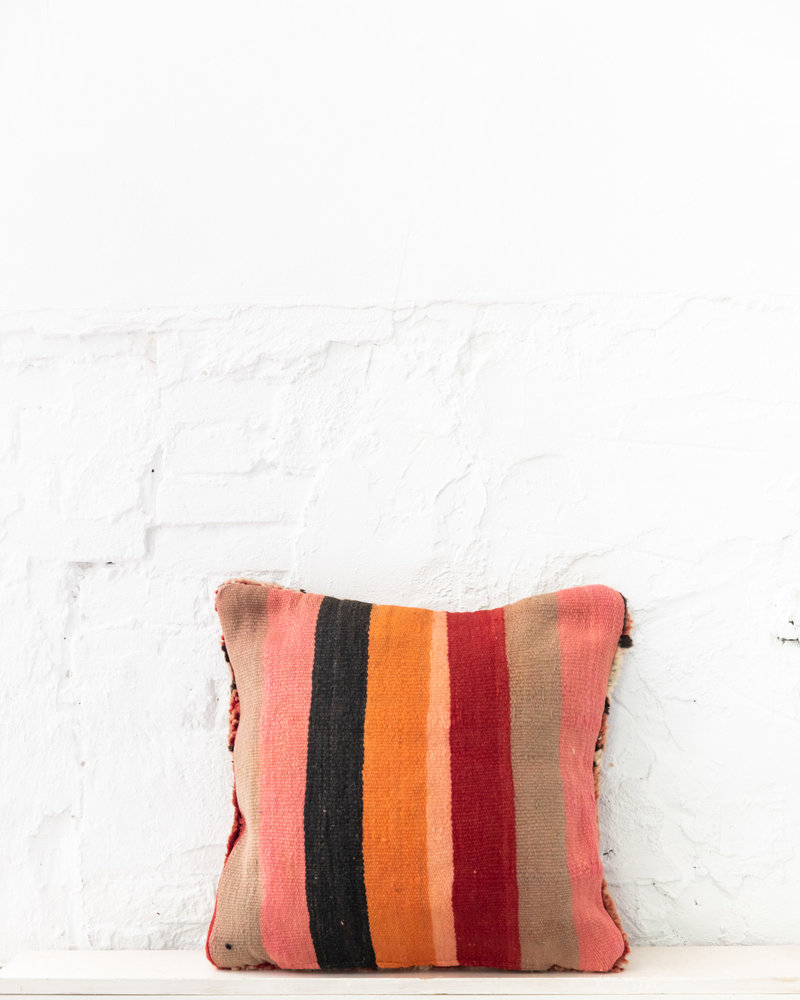 Special Vintage Pillow 706