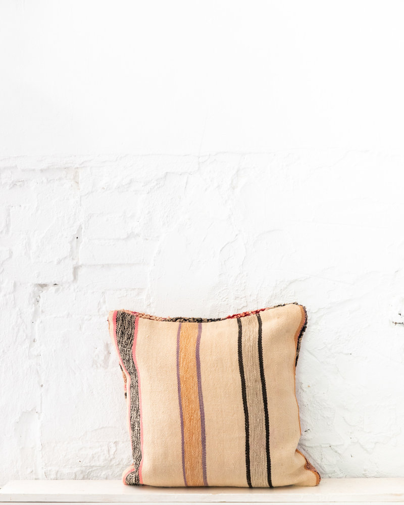 Special Vintage Pillow 715