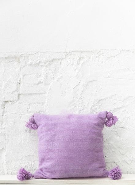 Lilac pompom pillow wool -M