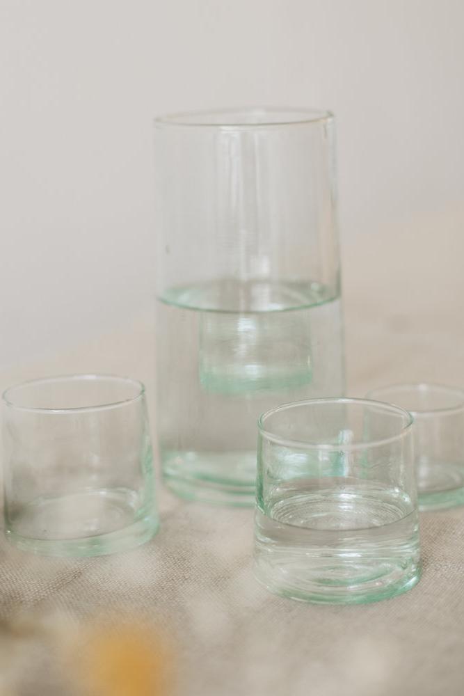duurzaam tafel dekken inspiratie gerecylced glaswerk