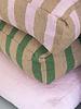 Vloerkussen klein streep camel groen