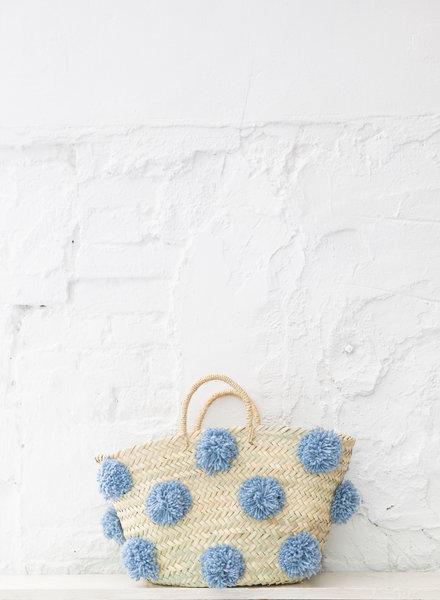 Pompom rieten tas lichtblauw M