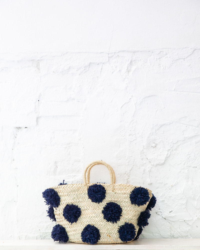 Pompom straw bag navy M (PRE-ORDER)