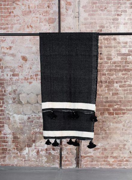 Berber pompom blanket L