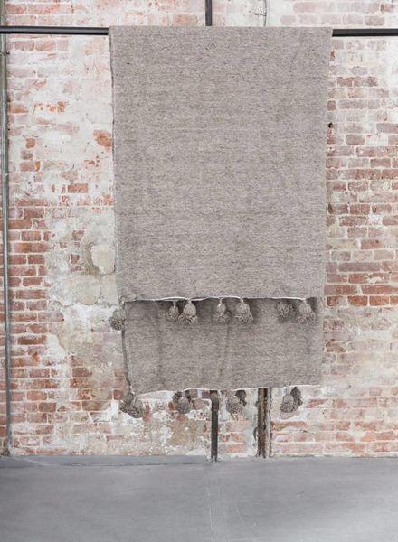 PRE-ORDER Berber pompom blanket M
