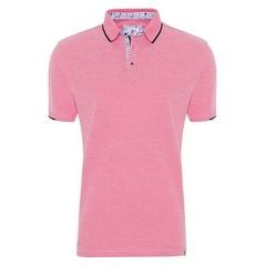 Shirts met Neon details.