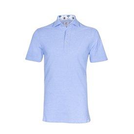 Lichtblauwe piquet katoenen shirtpolo.
