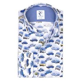 Weißes Baumwollhemd mit Autoaufdruck.