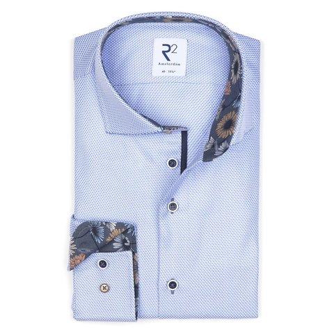 Hellblaues Baumwollhemd mit Mini-Design.
