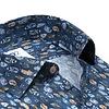 Baumwollhemd mit blauem Federprint.