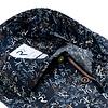 Dunkelblaues Baumwollhemd mit Buchstaben-Zahlen-print.