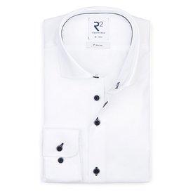 R2 Strijkvrij wit katoenen overhemd.