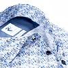 Weißes Baumwollhemd mit grafischer print. Organic Baumwolle.