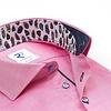 Roze katoenen overhemd.