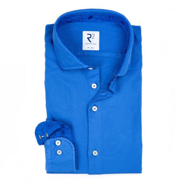 R2 Kobalt blauw garment-dyed katoenen overhemd.