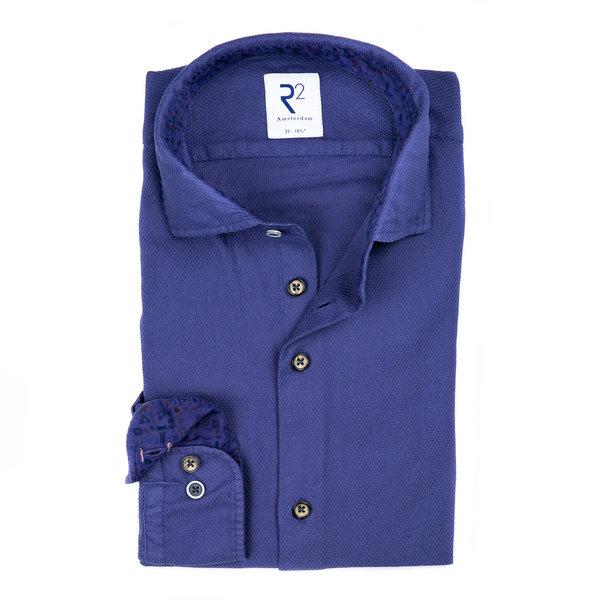 R2 Navy garment dyed katoenen overhemd.
