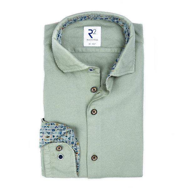 R2 Hellgrünes garment-dyed Baumwollhemd.