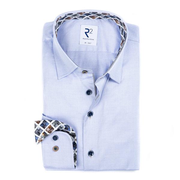 R2 Lichtblauw Herringbone katoenen overhemd.