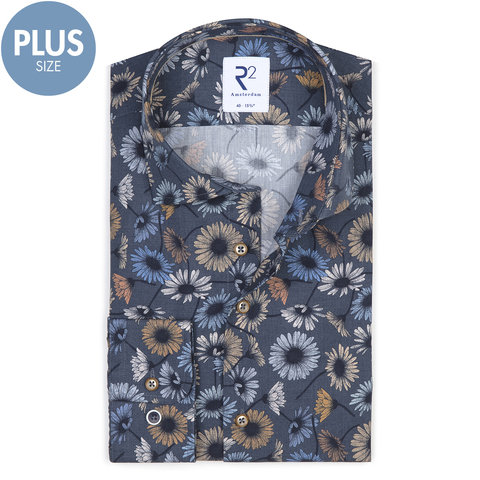 Plus Size. Donkerblauw bloemenprint katoenen overhemd.