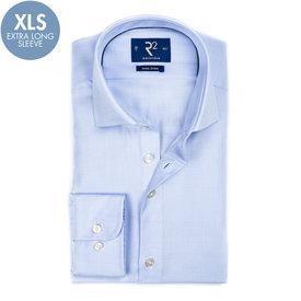 R2 Extra Lange Mouwen. Blauw strijkvrij katoenen overhemd.