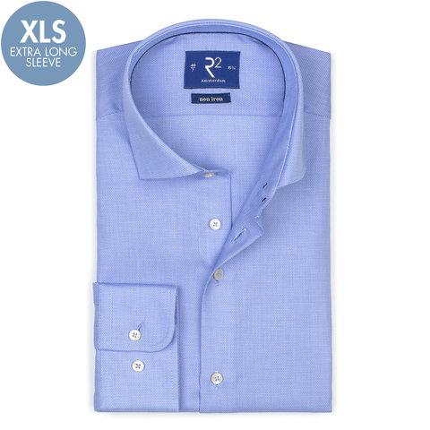 Extra Lange Mouwen. Blauw strijkvrij katoenen overhemd.