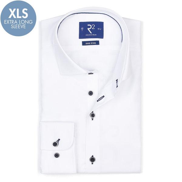R2 Extra lange Ärmel. Weißes bügelfreies Baumwollhemd.