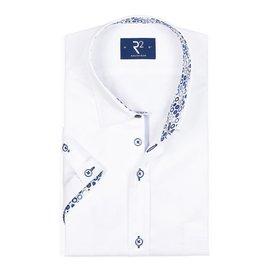 Wit korte mouw overhemd met bolletjes contrast.