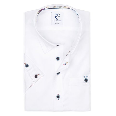 Short sleeves white cotton 2 PLY shirt.