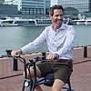 Extra lange Ärmel. Weißes Fahrraddruck Organic Baumwollhemd.