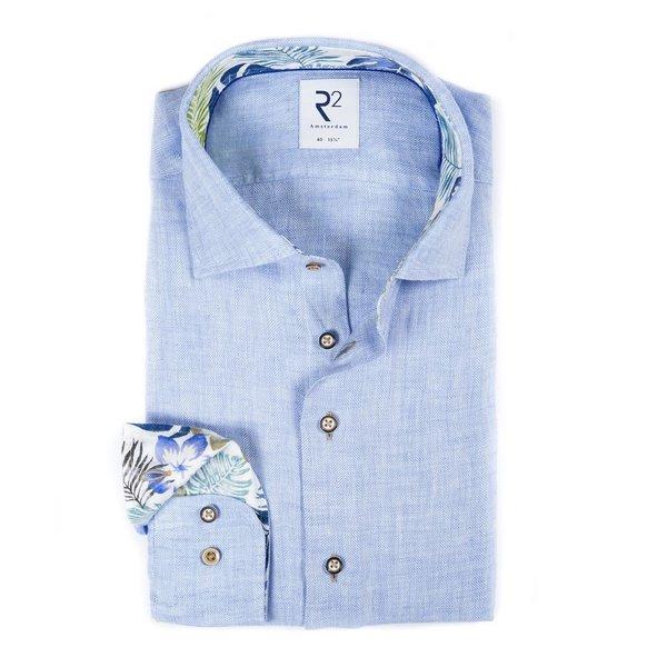 R2 Lichtblauw herringbone linnen overhemd.