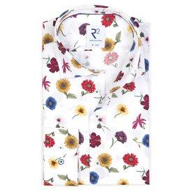 R2 Weißes Baumwollhemd mit Blumendruck.