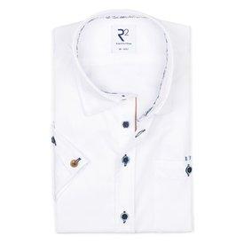 R2 Kurzärmeliges weißes Baumwollhemd.