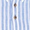 Lichtblauw gestreept linnen overhemd.