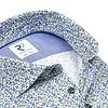 Extra lange Ärmel. Blaues geblümtes Baumwollhemd.