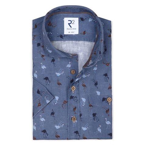 Kurzärmeliges blauem Flamingo-Print Leinenhemd.