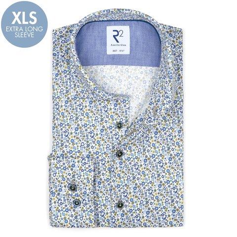 Extra lange mouwen. Blauw bloemenprint katoenen overhemd.