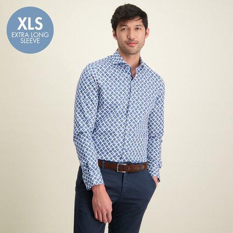 Extra Lange Mouwen. Wit blauw grafische print katoenen overhemd.