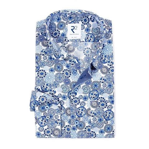 Weißes Baumwollhemd mit Grafischer Druck und Brusttasche.