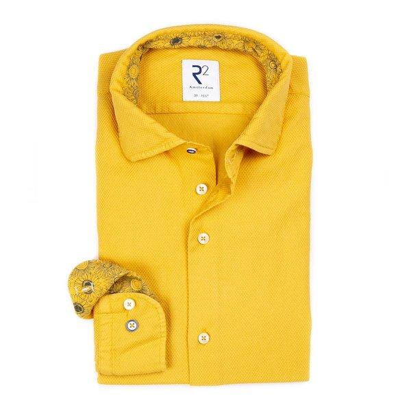 R2 Geel garment dyed katoenen overhemd.