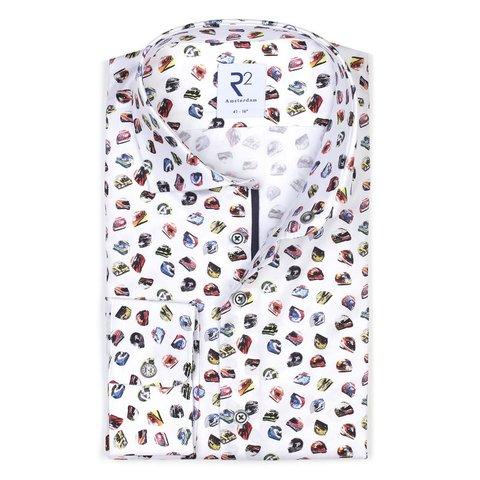 Weißes Baumwollhemd mit mehrfarbigem Rennhelmdruck.