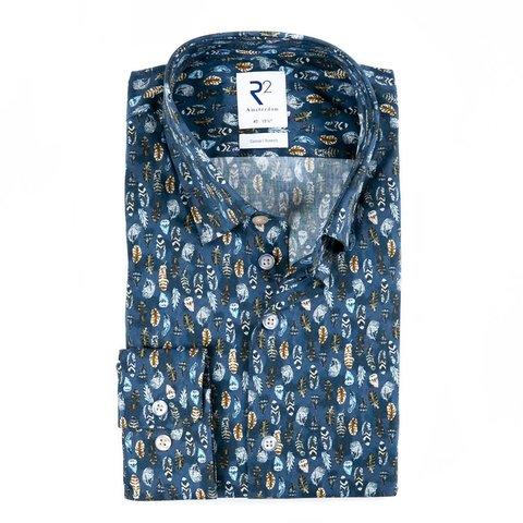 Blaues Baumwollhemd mit Federnprint.