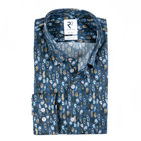 R2 Blaues Baumwollhemd mit Federnprint.